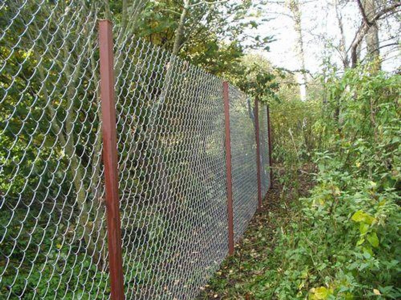 Как сделать забор из металлической сетки своими руками